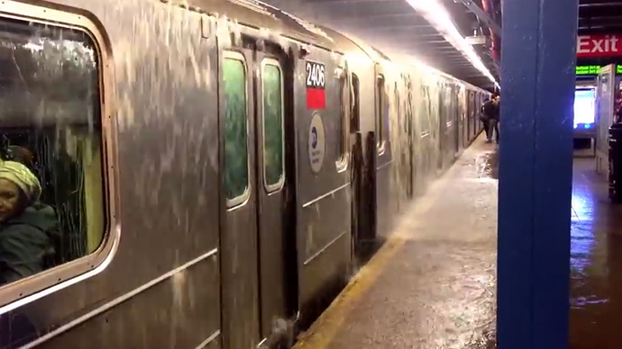 ​Burst water main floods NYC subway, streets (PHOTOS, VIDEO)