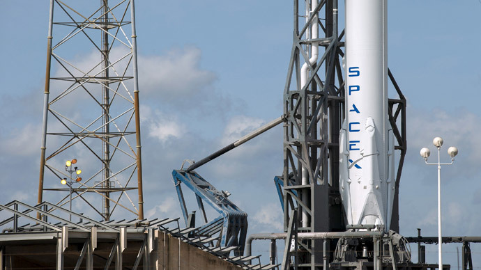 SpaceX Falcon 9 rocket with the Dragon capsule.(Reuters / Scott Audette)