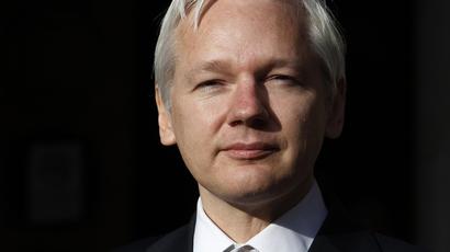 Julian Assange (Reuters / Suzanne Plunkett)