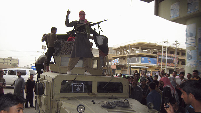 Al-Qaeda seizes key military camp in Yemen, snatches tanks and artillery