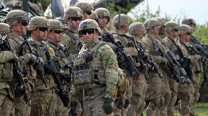 "US army soldiers take part in the ""Wind Spring 15"" military exercises April 21, 2015 (Reuters / Radu Sigheti)"
