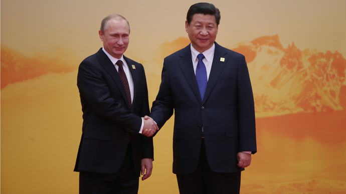 Russian President Vladimir Putin (L) and Chinese President Xi Jinping (RIA Novosti / Michail Metcel)