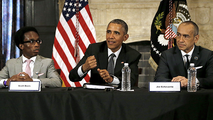 US president Barack Obama (C) participates in a roundtable discussion at Lehman College in New York May 4, 2015 (Reuters / Jonathan Ernst)