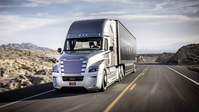 The Freightliner Inspiration Truck on a US Highway near Las Vegas. (Image from daimler.com)