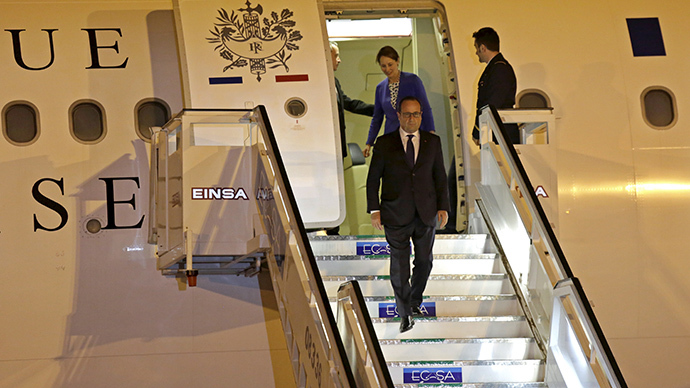 'It has to be done': President Hollande visits Cuba, urges end to US sanctions