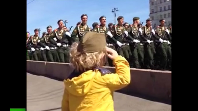 'Our little general': Touching video of troops saluting little kid on V-Day rehearsal (VIDEO)