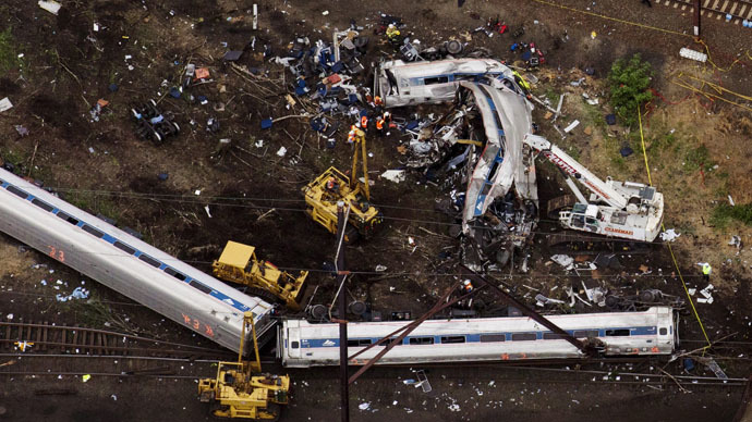 Derailed Amtrak train was going 100 mph on sharp curve
