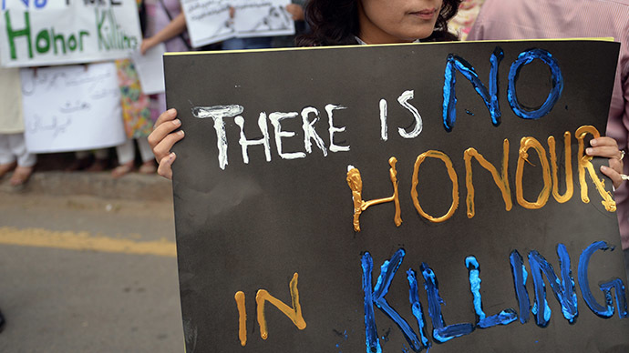 Couple lynched and burnt in India 'honor killing'