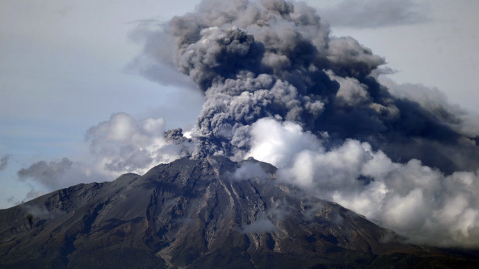 'Drumbeat' volcano earthquakes triggered by external noise – study