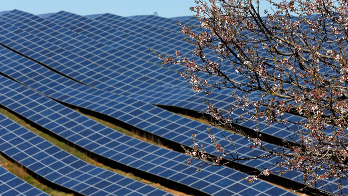 China & Japan to lead global solar boom in 2015 - Bloomberg
