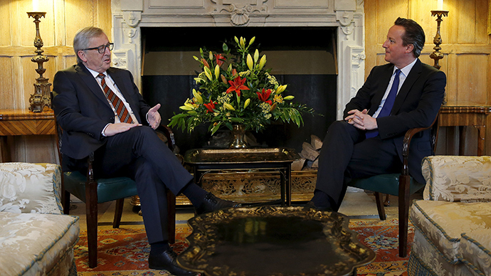 EC President Jean-Claude Juncker meets with Britain's Prime Minister David Cameron at the Chequers near Ellesborough in southern England, Britain May 25, 2015 (Reuters / Suzanne Plunkett)