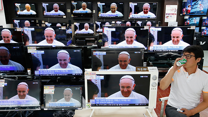 No TV, internet & only one paper 'for me' Pope admits in interview