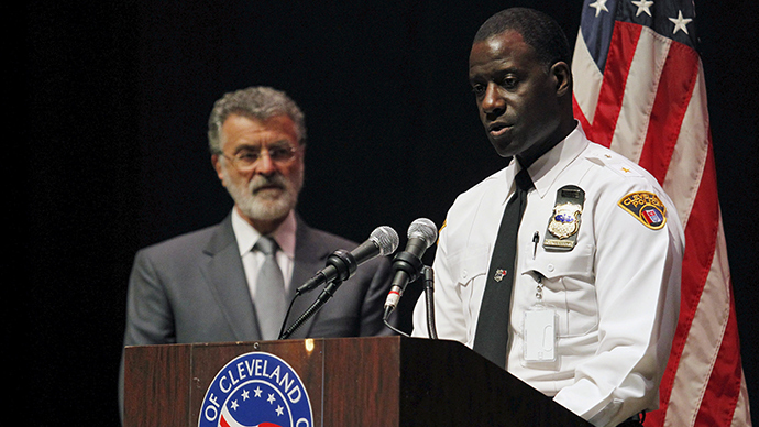 Cleveland Police Chief Calvin Williams (R) and Cleveland Mayor Frank Jackson (Reuters / Aaron Josefczyk)