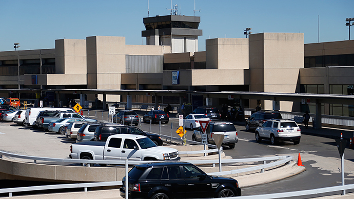 Sinkhole closes runway at Dallas-Fort Worth airport