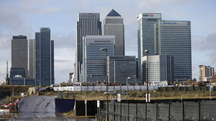 The Canary Wharf financial district is seen in east Londonю (Reuters/Suzanne Plunkett)