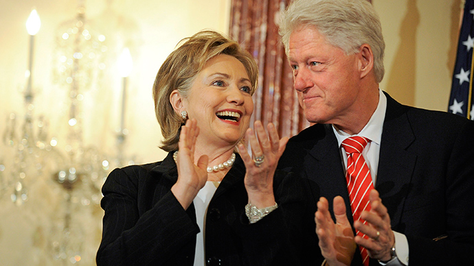 Democratic presidential candidate Hillary Clinton (L) and  former US President Bill Clinton (Reuters)