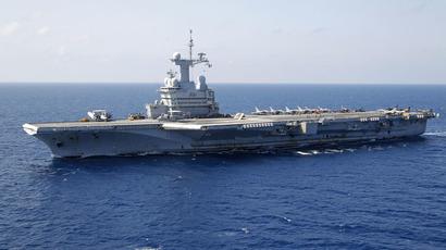 France's flagship Charles de Gaulle aircraft carrier (Reuters/Benoit Tessier)