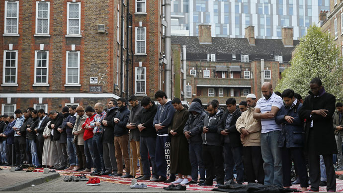 ​Brits associate Muslims more with terrorism than religion, poll indicates