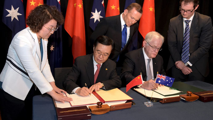China and Australia sign 'historic' free trade agreement