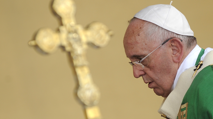 Pope Francis leads a mass during a two-day pastoral visit in Turin, Italy, June 21, 2015. (Reuters / Giorgio Perottino)