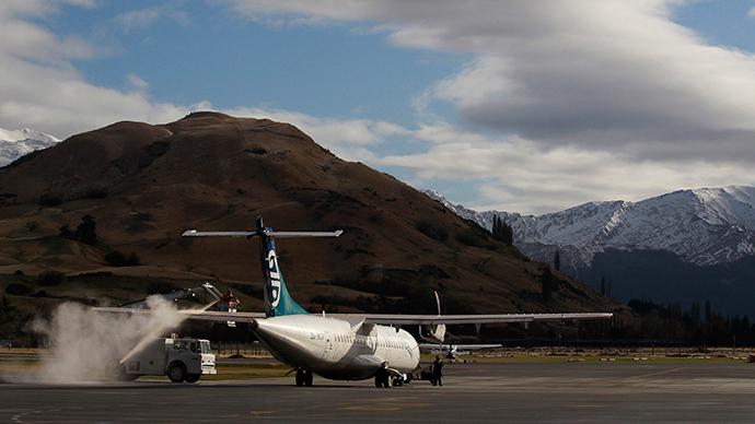 Air New Zealand plane at Queenstown airport (Reuters / Stefan Wermuth)