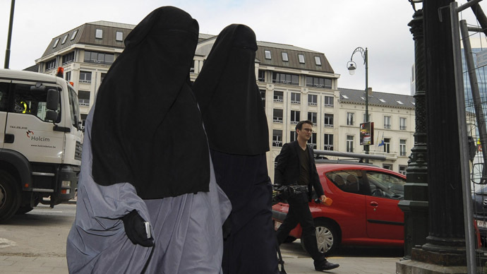 ​Jihadi brides: Over 100 German women 'gone to Syria' to join ISIS militants
