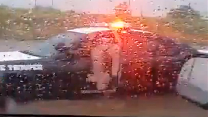 A Winnie the Pooh moment: Cop stuck in cruiser (VIDEO)