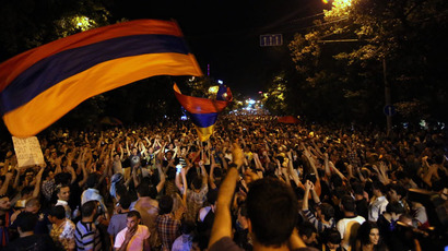 People in Yerevan protest steep electricity price increases. (RIA Novosti/PAN Photo/Hrant Khachatryan)