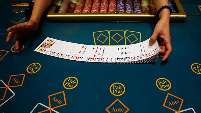 GOP candidates embrace mega-donor's cause, seek ban on online gambling