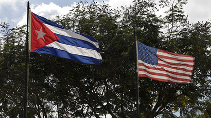 Flags of Cuba and the U.S. (Reuters / Enrique De La Osa)