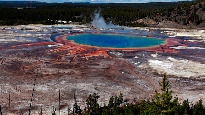 The Grand Prismatic Spring, the largest in the United States and third largest in the world, is seen in Yellowstone National Park, Wyoming (Reuters / Jim Urquhart)