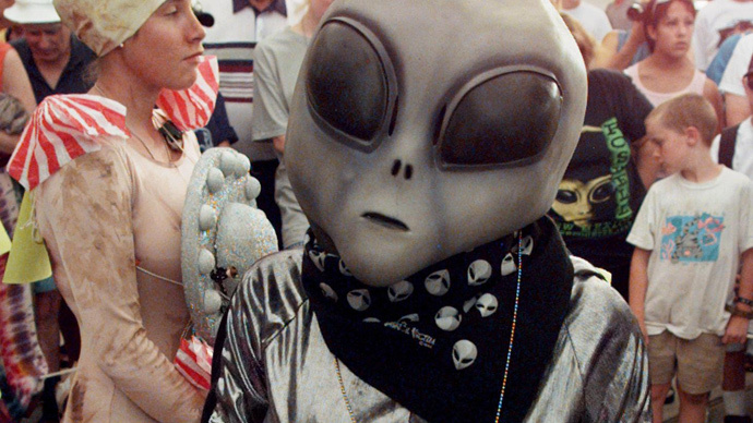 UFO costume contest in Roswell (Reuters / ake / DIGITAL / Photo by J.)