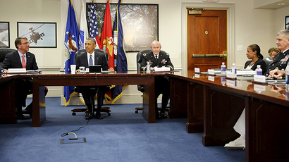 President Barack Obama receives an update on US efforts against the Islamic State  from Defense Secretary Ash Carter (L) and Chairman of the Joint Chiefs of Staff Gen. Martin Dempsey (3rd L) (Reuters/Jonathan Ernst)