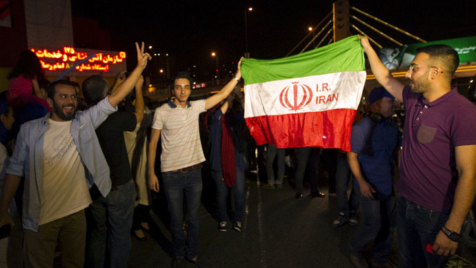 Iranians celebrate in the streets following a nuclear deal with major powers, in Tehran July 14, 2015. (Reuters/TIMA)