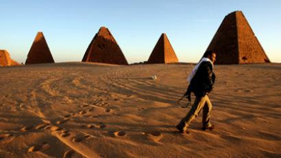 Picture taken 02 March 2007, shows the Royal pyramids, (500 km) north of Khartoum, Sudan, built in Nubia about 800 years after the last Egyptian pyramid was built.  (AFP Photo/Khaled Desouki)