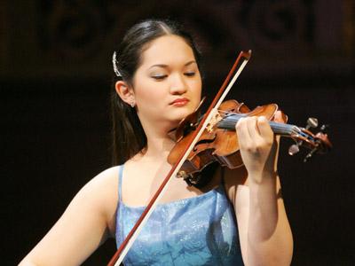 German violonist Yuki Manuela Janke (AFP Photo/Jaques Demarthon)