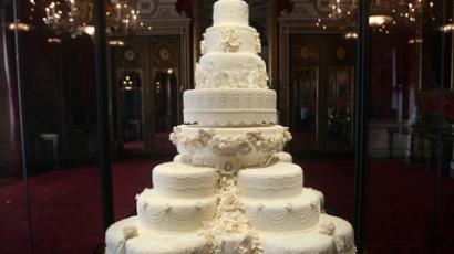 The royal wedding cake of Britain's Prince William and his wife Catherine, Duchess of Cambridge (Reuters / Lewis Whyld / Pool)