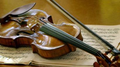 "A Stradivarius ""Ex-Nachez"" made in the year 1716 by famed Italian violin maker Antonio Stradivari (Reuters/Christian Charisius)"