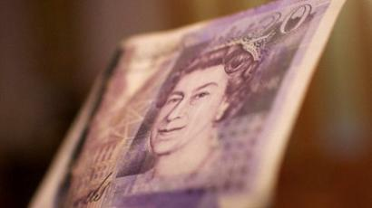 Britain´s economy emerged from a 9 - month recession in 3Q