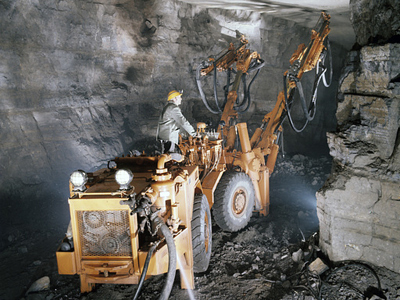 Chelyabinsk Zinc posts FY 2010 net profit of 1.414 billion roubles (RIA Novosti / STF)