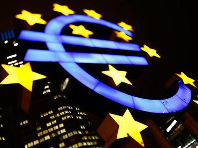 ECB approves Anglo Irish Bank debt deal