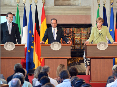 From L) Spanish Prime Minister Mariano Rajoy, French President Francois Hollande, German Chancellor Angela Merkel and Italian Prime Minister Mario Monti take place for a joint press conference following their meeting on June 22, 2012 at Villa Madama in Rome (AFP Photo / Alberto Pizzoli)