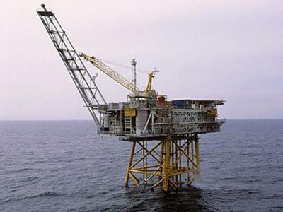 Norwegian energy giant Statoil shows its Huldra oil rig in the North Sea. (AFP Photo / Statoil / Kjetil Alsvik)