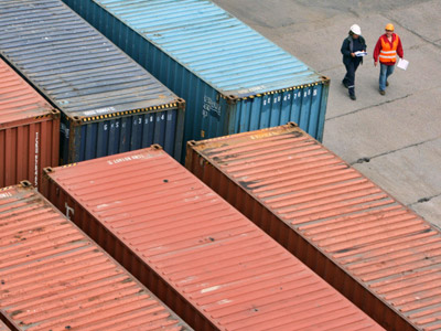 Containers with cargo in a terminal of Kaliningrad See Commercial Port. (RIA Novosti / Igor Zarembo)