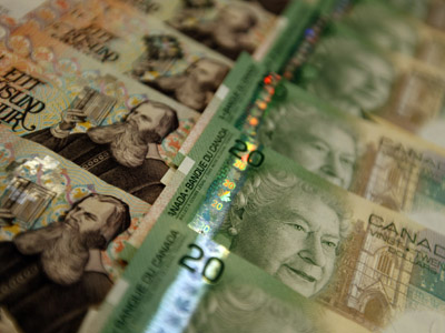 Canadian dollar to give Iceland helping hand