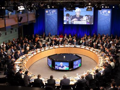 IMF warns Russia as economy heats up