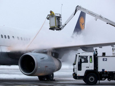 Ice-free runways for New Year holiday