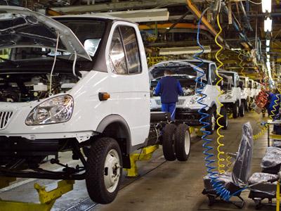 Assembling a modernized GAZelle-Business truck at the Gorky Automobile Plant in Nizhny Novgorod. (RIA Novosti/Oleg Zoloto)