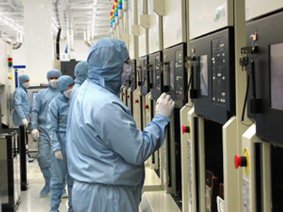 A Clean Room at the Mikron factory, the largest integrated circuit manufacturer in Russia and CIS. (RIA Novosti / Aleksey Babushkin, STF )