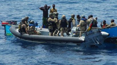 German navy from frigate Rheinland-Pfalz detain pirates in the Gulf of Aden	(Reuters / Handout)
